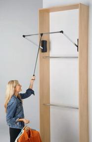Tubos y mecanismos para closet for Colgador de pared para ropa